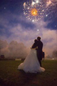 Un feu d'artifice pour le mariage